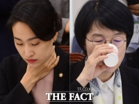 [TF사진관] 김수민-박선숙, '이유 있는 갈증(?)'