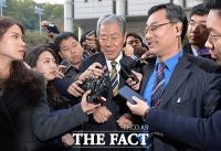 [TF포토] '최순실 영장실질심사' 마친 이경재 변호인