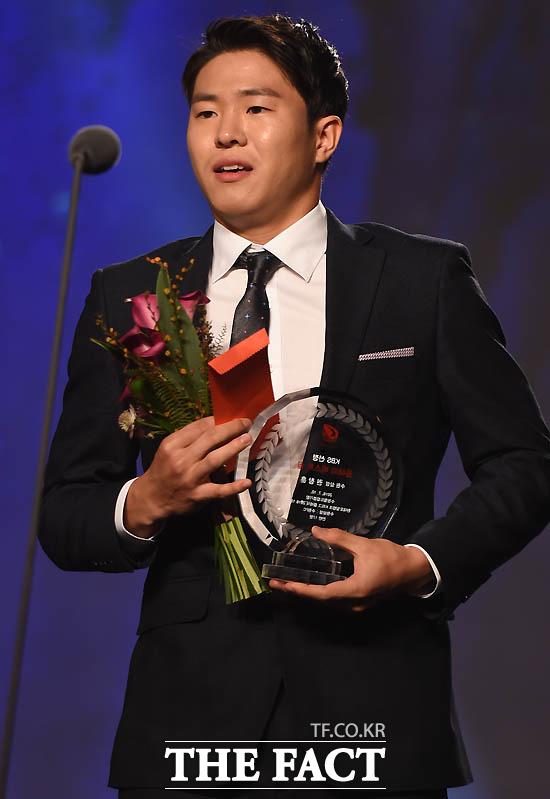 수원 권창훈이 올해의 베스트골 수상자로 선정돼 인삿말을 하고 있다.