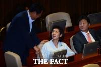 나경원, 표창원 '박근혜 탄핵 눈치보기' 명단 올라…의중은?