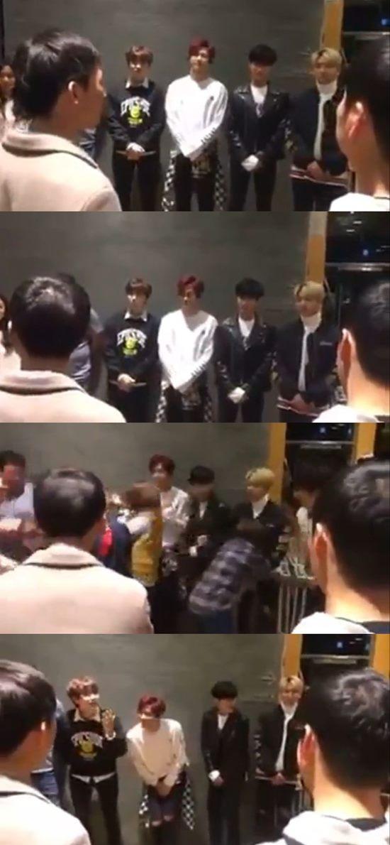 B1A4 신고식? B1A4 멤버들이 'SNL8' 녹화 전 제작진과 미팅에서 성추행을 당하는 듯한 영상이 공개됐다. 현재 삭제된 상태다. /'SNL 코리아8' 공식 페이스북 영상 캡처