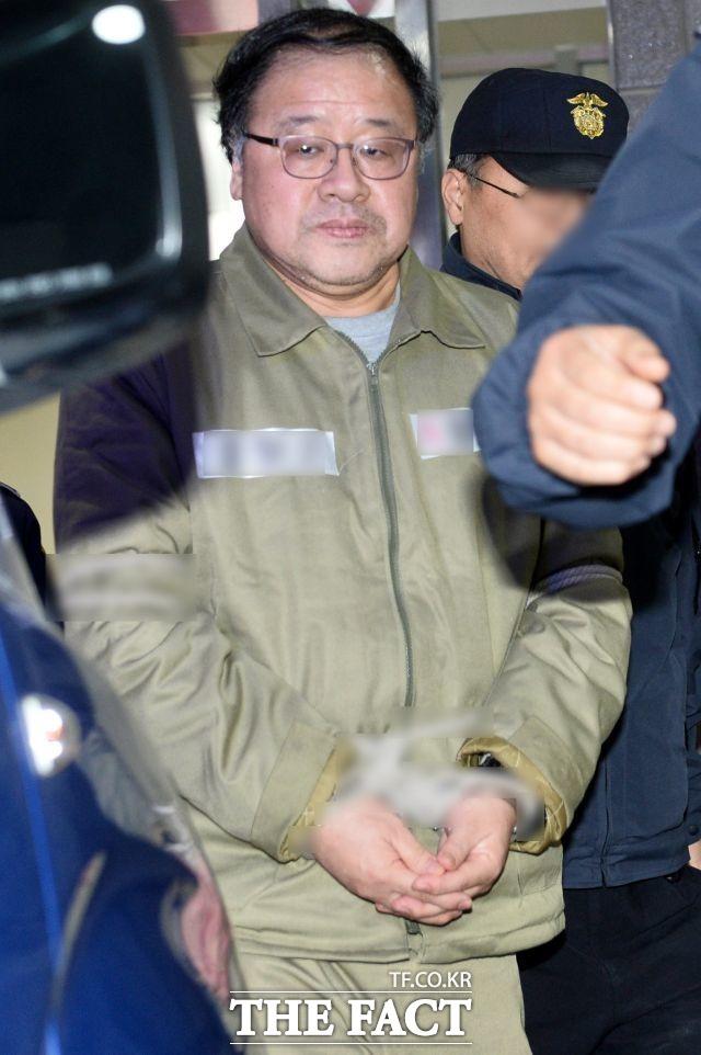 11월 6일 안종범 전 청와대 정책조정수석 구속.