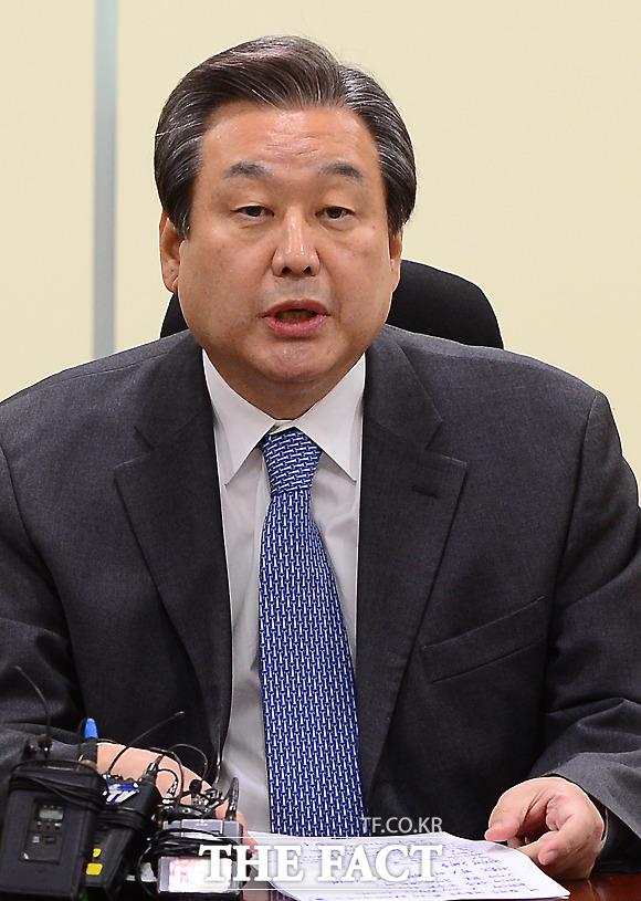 바른정당과 유승민 의원의 지지율이 모두 하락하면서 김무성 의원 재등판론이 탄력을 받고 있다. /이새롬 기자