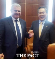 [TF포토] 러시아 방문한 우윤근 국회 사무총장