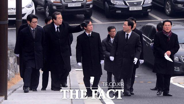 김영삼 전 대통령 묘역 참배하는 개혁보수신당