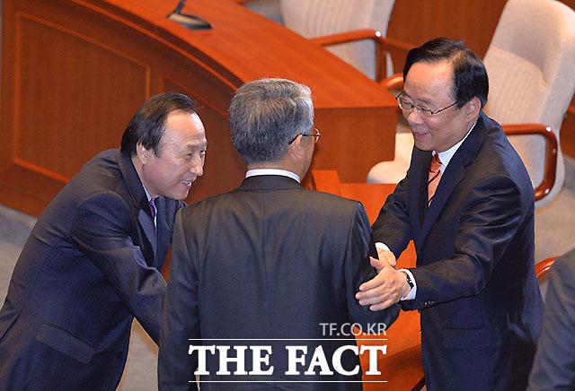 홍일표 개혁보수신당, 김동철 국민의당 간사와 이주영 위원장(왼쪽부터)