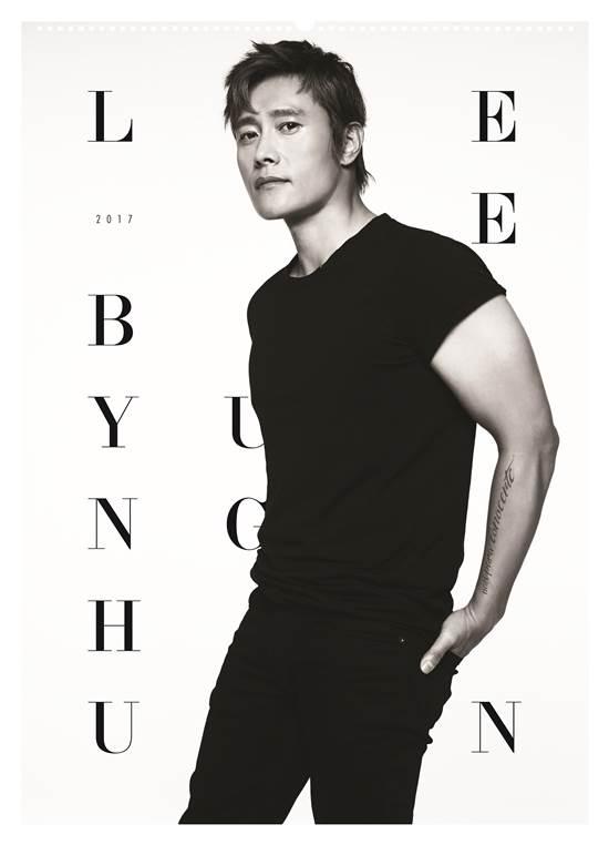 배우 이병헌이 오는 4월 일본에서 팬미팅을 개최하기에 앞서, 현지에서 스페셜 캘린더를 발매했다. /BH엔터테인먼트 제공