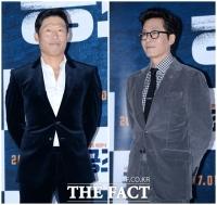 [TF포토] 유해진-김주혁, '멋쟁이들의 벨벳 슈트 패션'