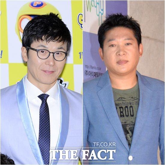 배우 이정용(왼쪽) 가수 박상철이 한국 프로복싱 부흥을 위해 경기 전 애국가를 부른다. /더팩트DB