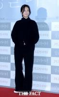 [TF포토] 고아라, '올블랙 패션의 정석'