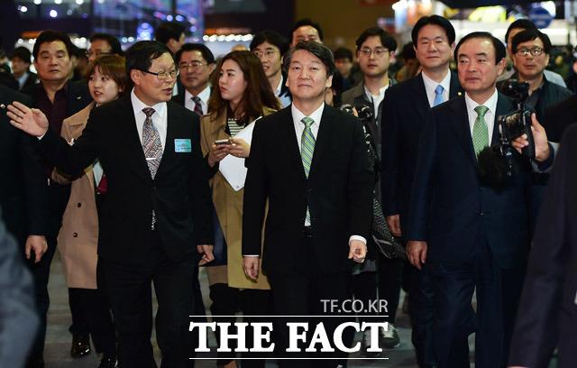 서울모터쇼 찾은 안철수 국민의당 대선후보