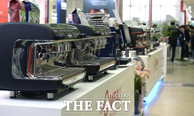 다양한 커피 머신들