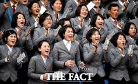 [TF포토] 북한 응원단 기에 눌린 대표팀, 극적인 무승부