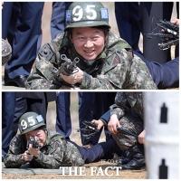['안철수 마크맨' 25시] '엎드려 쏴! 개머리판 잘 댔나?' 군부대 체험기