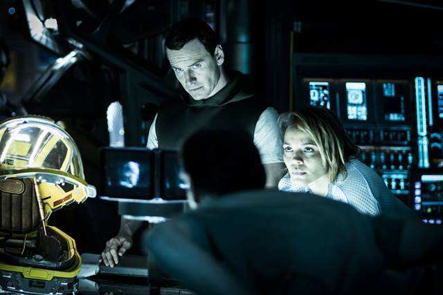 영화 에이리언: 커버넌트가 개봉 첫 주 박스오피스 1위를 차지했다. /영화 에이리언: 커버넌트 스틸