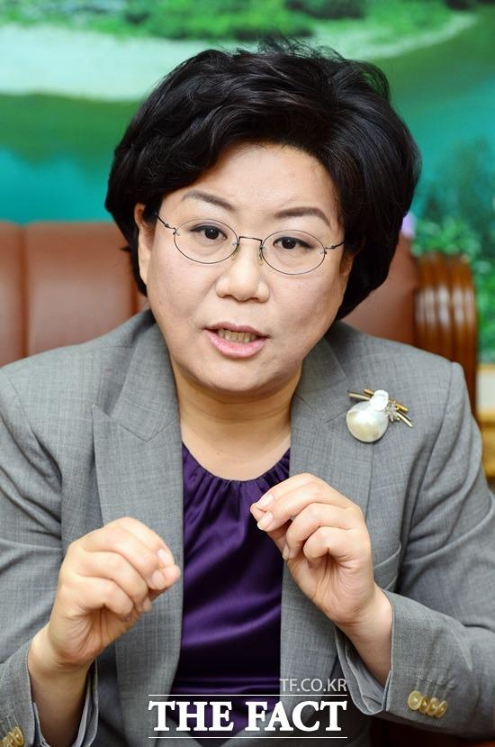 이혜훈 바른정당 의원이 문재인 정부 초기에 대해 무섭도록 잘하는 것 같다고 호평했다. /더팩트DB