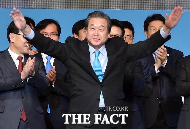 황태순 위즈덤센터 수석연구위원은 현재 바른정당 내에서 김무성 고문이 할 역할은 사실상 없다고 밝혔다.
