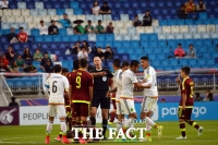 [TF포토] '멕시코 순위가 왔다갔다... 격해지는 몸싸움'