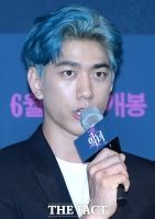[TF포토] 성준, '시선 사로잡는 푸른색 머릿결'