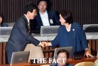 [TF포토] 유승민-심상정, '대선 이후 반가운 만남'