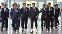 [TF포토] 신세계 채용박람회 참석하는 정용진 부회장
