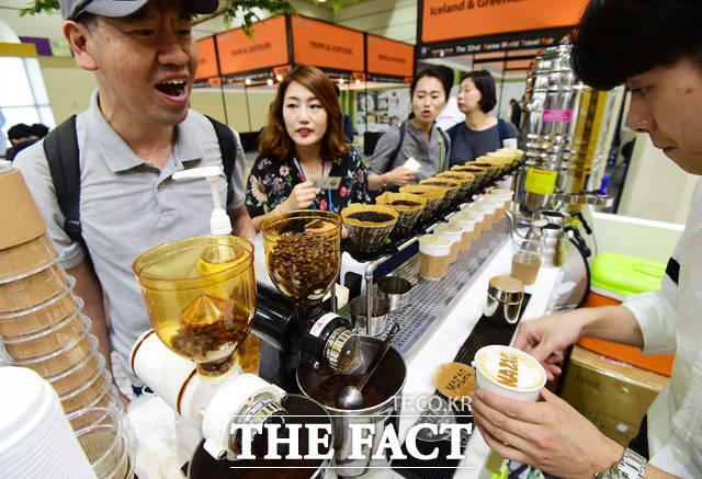 마카오 커피 마셔보셨나요?