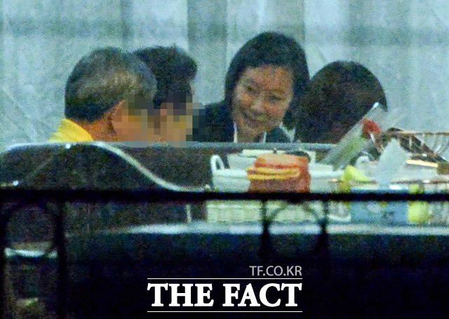 6개월 만에 가족의 품으로 돌아간 장시호. 표정이 밝다.