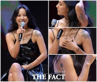 [TF포토] 섹시퀸 이효리, '몸 구석구석 타투 숨바꼭질~'