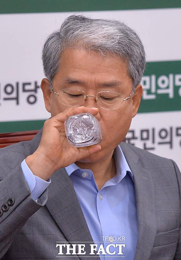속타는 김 원내대표