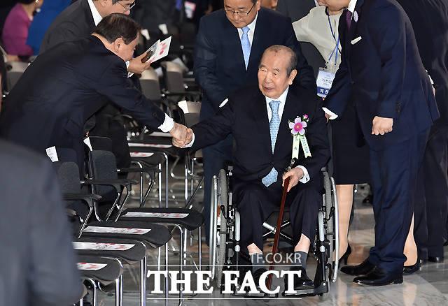 김수한 전 국회의장