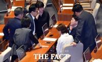 [TF인사이드] 여당 러브콜 받는 장제원 '오늘은 인기스타'