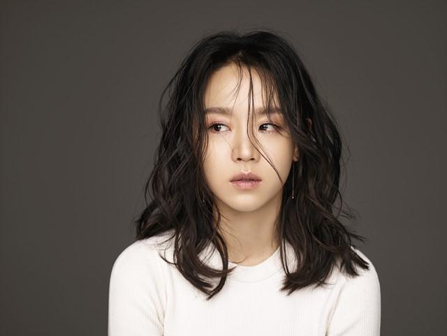 비밀의 숲 영은수 役으로 활약. 신혜선은 지난달 서울 강남구 강남대로 한 카페에서 더팩트와 인터뷰를 했다. /YNK엔터테인먼트 제공