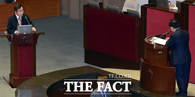 외교·통일·안보분야 대정부질문이 국회 본회의장에서 진행되고 있다. / 국회= 이새롬 기자