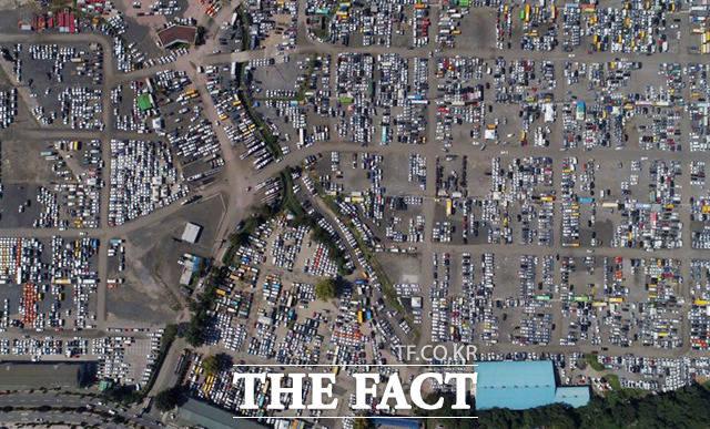 침수차는 일반 차량과 함께 송도중고차수출단지에서 중동 등 해외 바이어들에게 팔리게 된다.