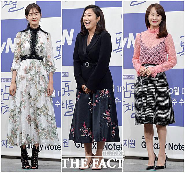 배우 이요원, 라미란, 명세빈(왼쪽부터)이 27일 서울 논현동의 한 호텔에서 열린 tvN수목드라마 '부암동 복수자들' 제작발표회에서 포토타임을 갖고 있다.