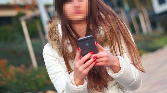 청소년들이 스마트폰 앱으로 성매매를 해 이전보다 성매매에 대해 더욱 쉽게 노출되어있다./pixabay