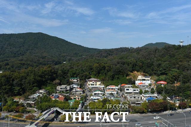 구룡산 자락, 박 전 대통령의 내곡동 자택