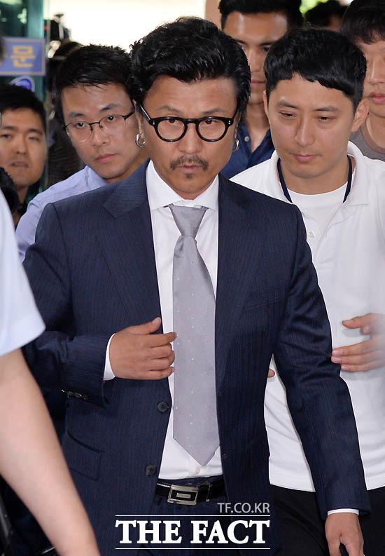 2016년 6월 30일 성추행 혐의로 용산경찰서에 출석한 이주노.