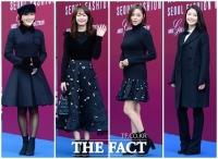 [TF사진관] '미녀도 블랙을 입는다'…'패션위크 컬러는 블랙!'