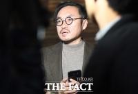 [TF포토] 고 김주혁 장례 절차 관련 브리핑하는 김석준 상무
