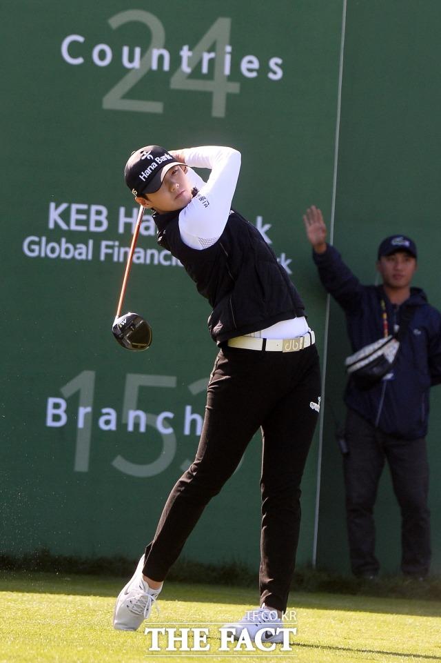 박성현이 6일 발표된 여자골프 세계랭킹에서 1위로 올라섰다. 미국여자프로골프(LPGA) 투어 신인이 1위가 된 것은 박성현이 처음이다. / 남윤호 기자