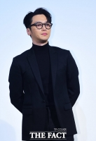 [TF포토] 변요한, 올블랙 패션으로 '남성미 발산'
