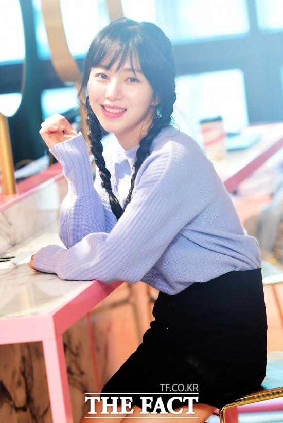 그룹 AOA 멤버 겸 배우 민아. 민아는 16일 서울 중구 명동길 FNC WOW에서 더팩트와 인터뷰를 했다. /배정한 기자