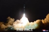 [TF포토] 북한, 화성-15형 미사일 발사 장면 공개