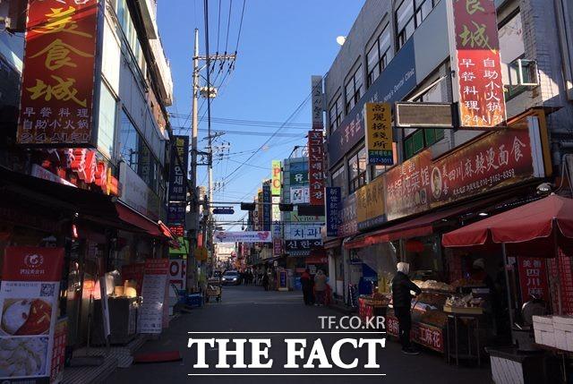 건대 중국거리 인근에는 130개가 넘는 중국 본토요리점이 영업 중이다. /건대=김소희 기자