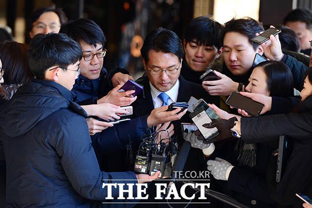 서울중앙지법 강부영 영장전담 판사는 13일 오전 이명박 정부 시절 국군 댓글 공작 의혹을 받고 있는 김태효 전 청와대 대외전략비서관에 대한 구속영장을 기각했다. /남용희 기자