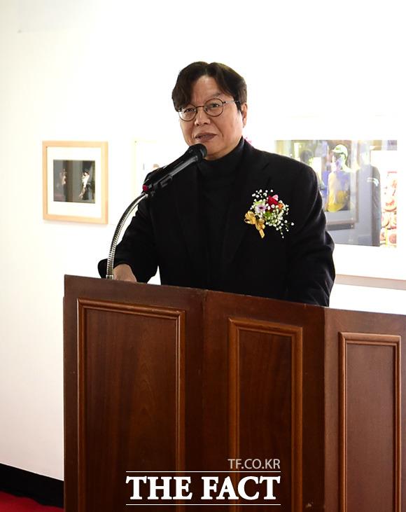 축사하는 이근영 한국인터넷신문협회장