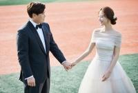 [TF영상] 류현진♥배지현 '야구'로 하나된 웨딩화보 공개