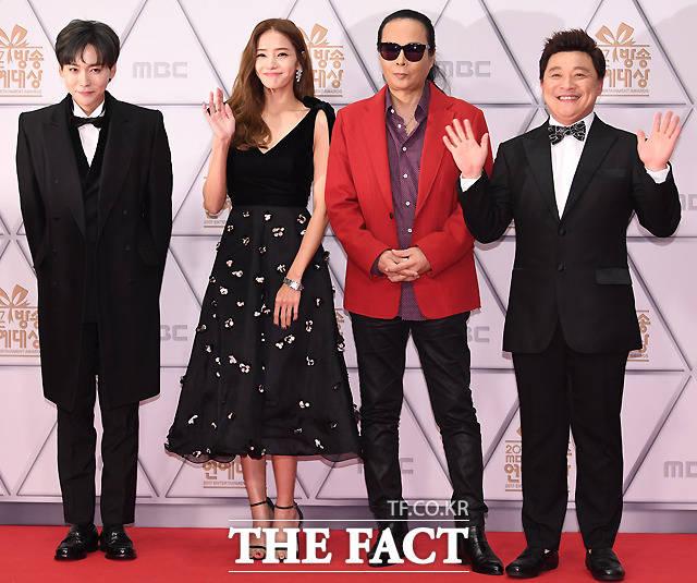 오지의 마법사 김진우와 한채영, 김태원, 윤정수(왼쪽부터).
