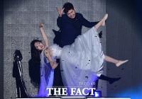 [TF사진관] 최민수 마술사-BJ 박가을, '공중부양 마술 쇼쇼쇼'